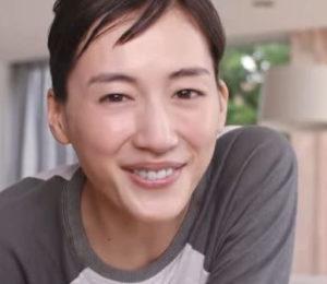 綾瀬はるかのすっぴんが別格!肌がきれいな秘訣やおすすめの化粧品を ...